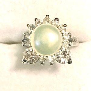 Genuine Cultured Pearl Ring Sz 6